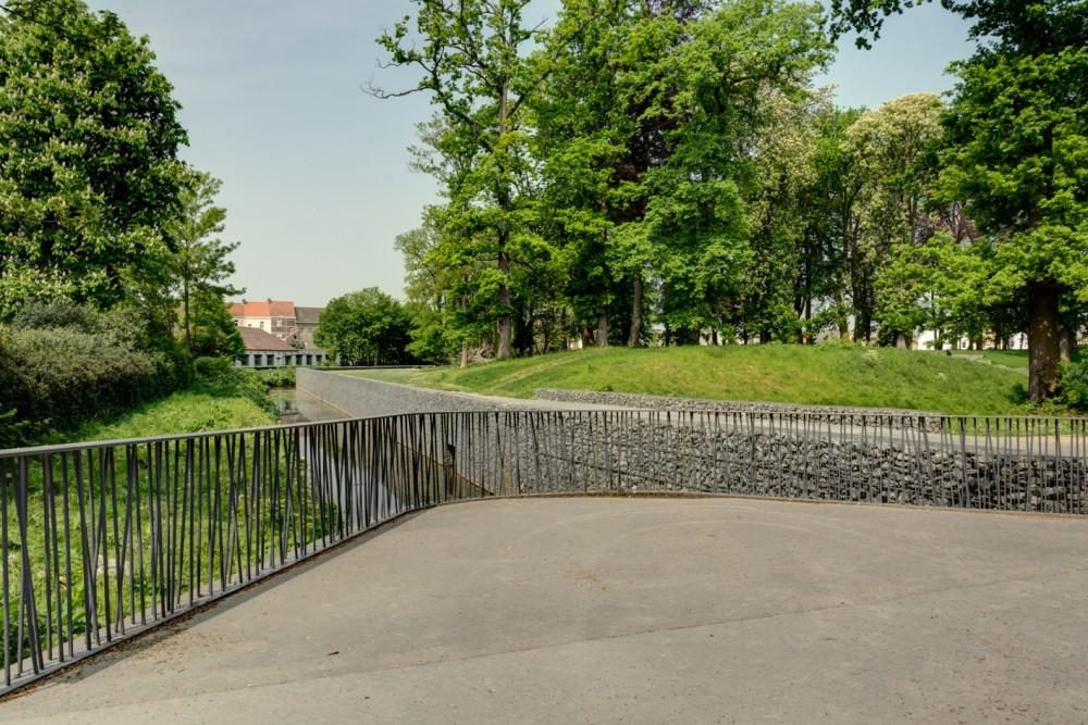 Abscis Architecten - Verwijzing naar de driekhoekige vorm van de Ravelijn - fotografie Inge Claessens