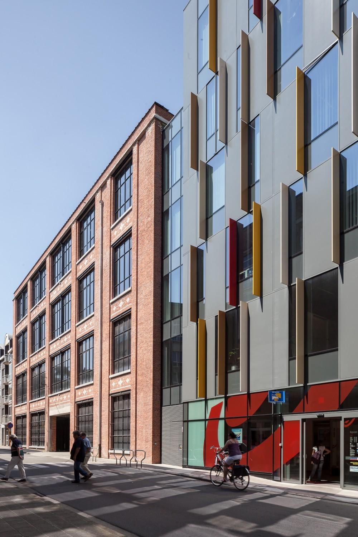 Abscis Architecten - Connection Manchester Building and Administration Centre Flemish Community - photography Thomas De Bruyne