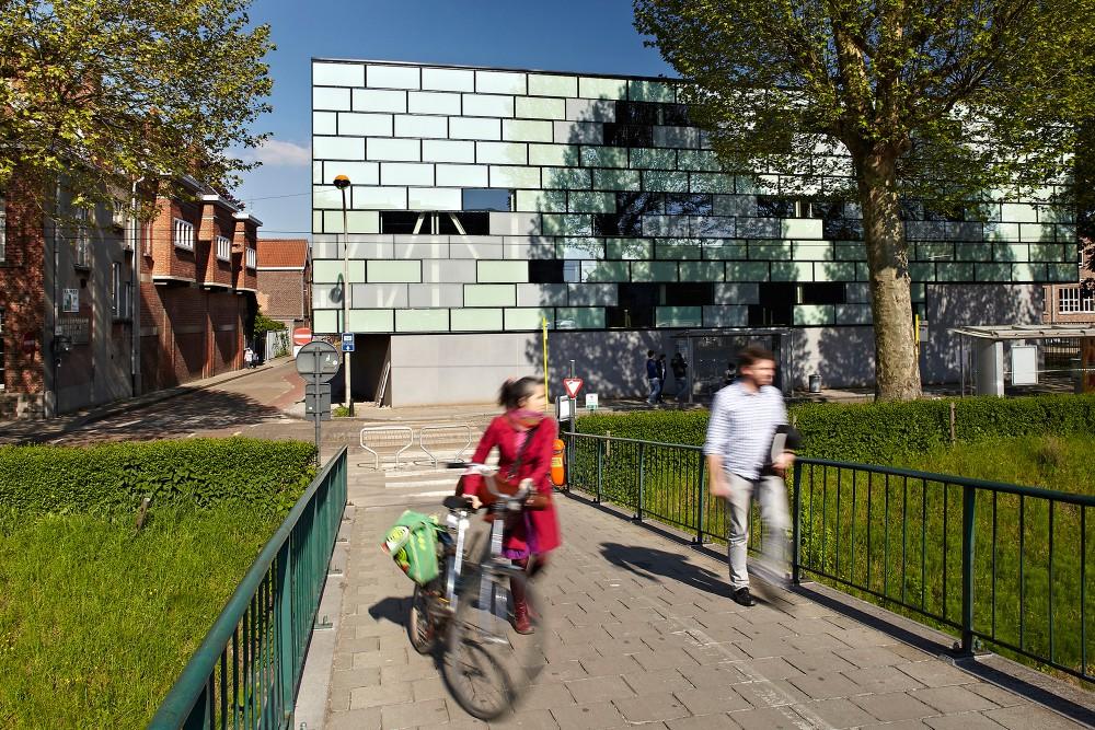 Abscis Architecten - Zicht vanop de  voetgangersbrug – fotografie Steven Neyrinck