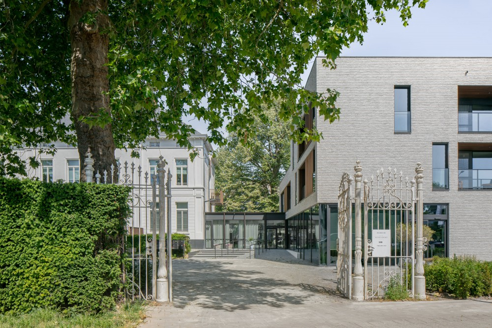 Abscis Architecten - entrance from the street - photography Jeroen Verrecht