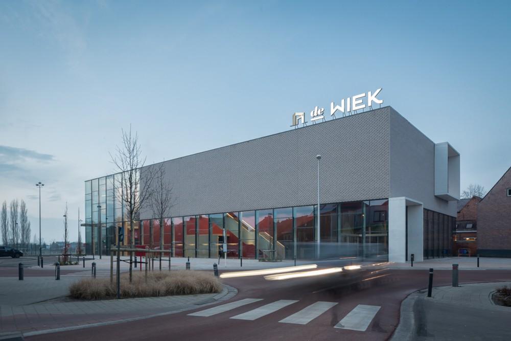 Abscis Architecten - Het gemeenschapscentrum als markering van het centrumgebied Zele – fotografie Thomas De Bruyne