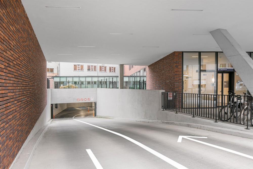 Abscis Architecten - toegang ondergrondse wagenparking – fotografie Jeroen Verrecht