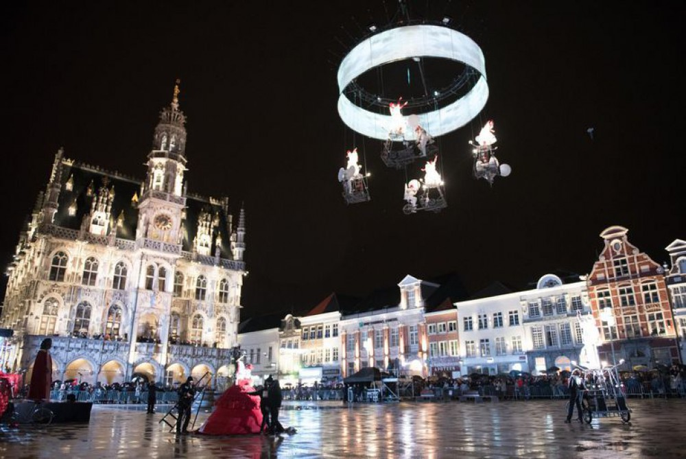 Abscis Architecten - lichtspektakel op het openingsevenement - foto Ronny De Coster