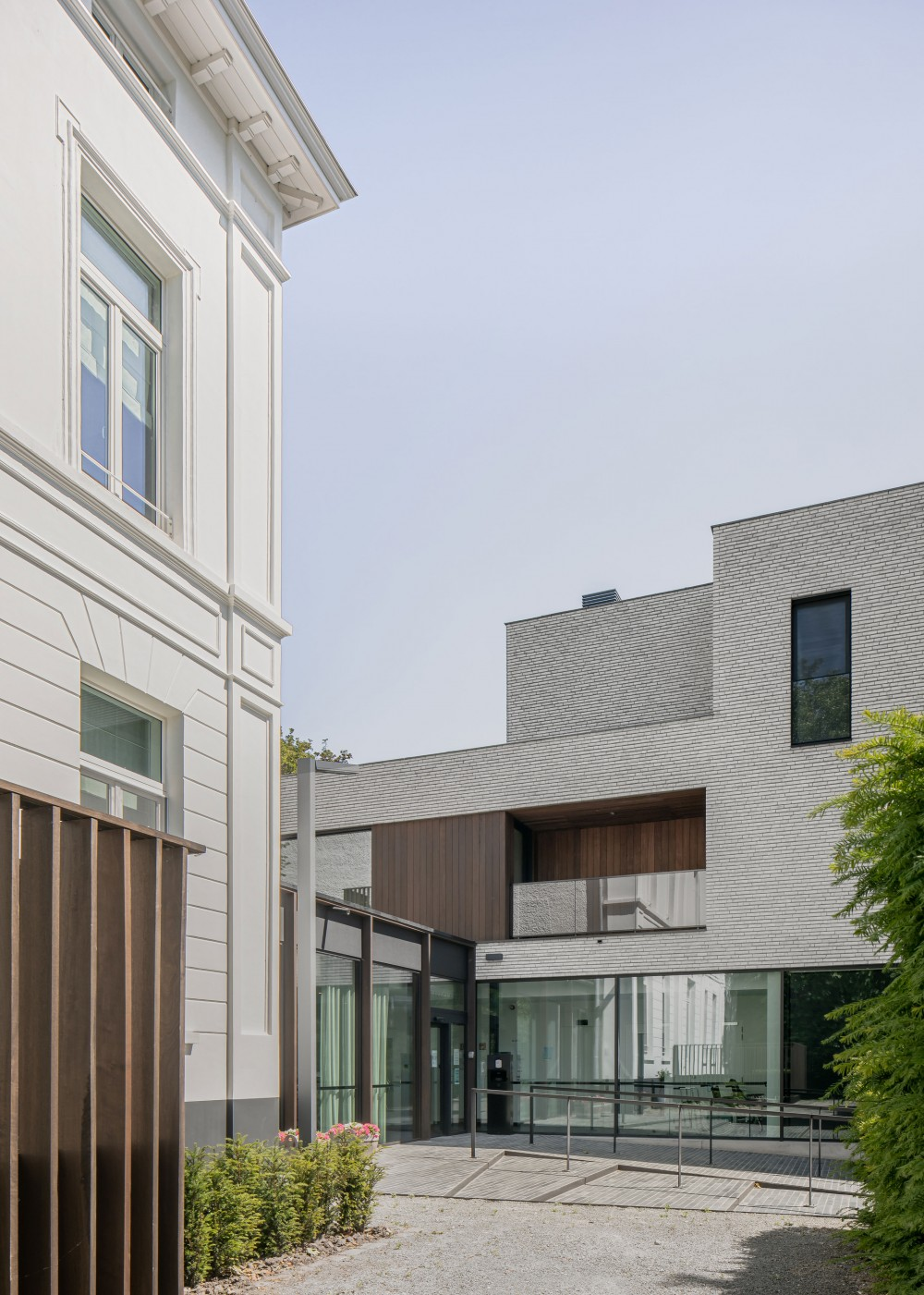 Abscis Architecten - via een centrale 'hub' worden een aantal diensten gefaciliteerd - fotografie Jeroen Verrecht
