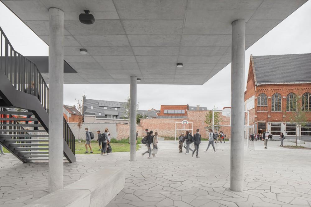 Abscis Architecten - perforated roof extension - photography Jeroen Verrecht