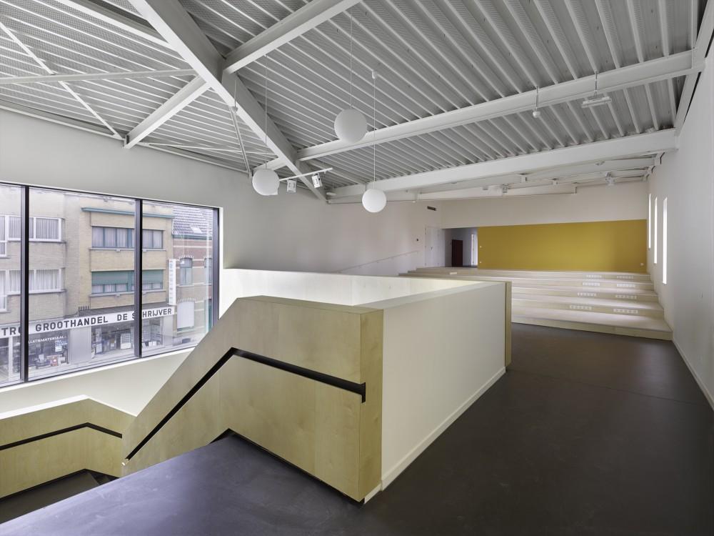 Abscis Architecten - binnentrap basisschool – fotografie Toon Grobet
