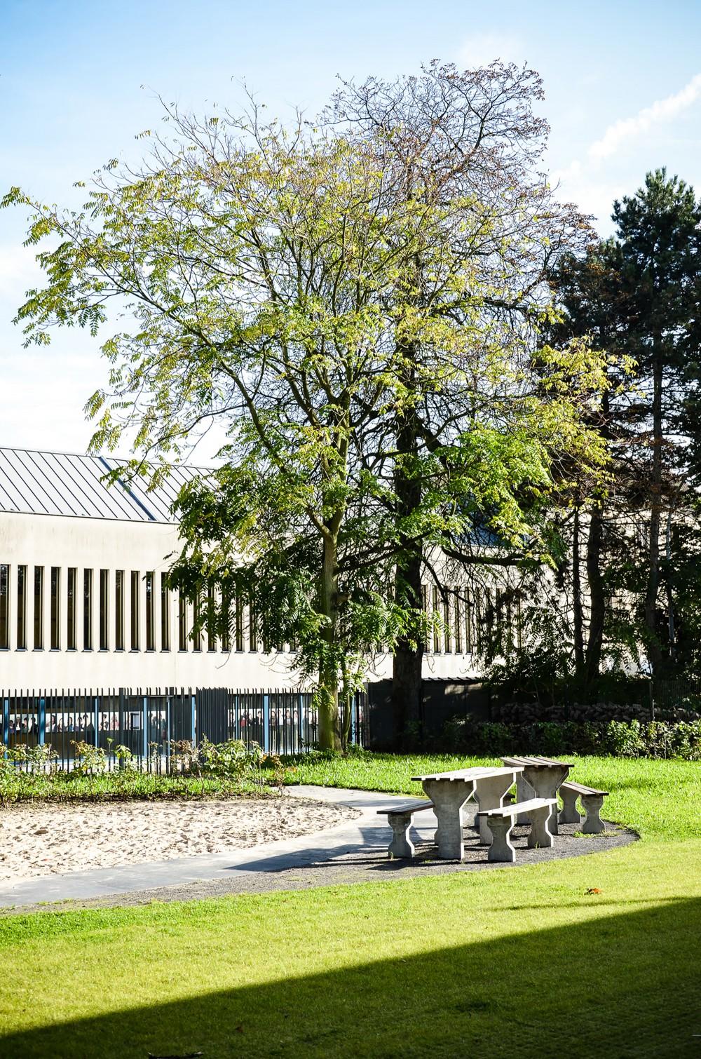 Abscis Architecten - Rustig picknicken in de nabijheid van een grote zandbak – fotografie Abscis Architecten