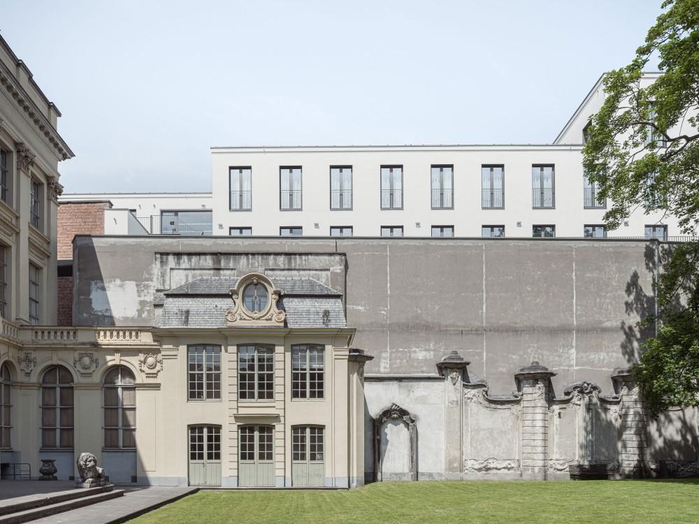 Abscis Architecten - gevelzicht vanuit de binnentuin van Hotel D'Hane Steenhuyse - foto Jeroen Verrecht