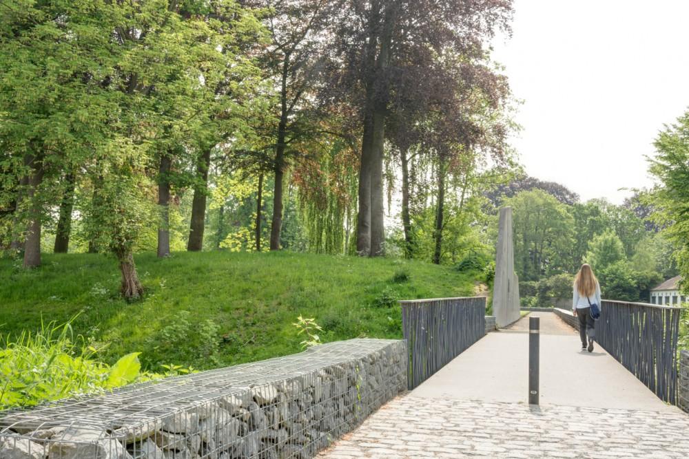Abscis Architecten - nieuwe parkverbinding, wandel- en fietsbrug over Ravelijngracht - fotografie Inge Claessens