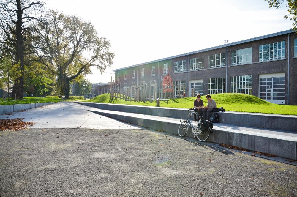 Abscis Architecten - De binnenzijde krijgt een groen jasje door de aanplanting van wingerd – fotografie Abscis Architecten