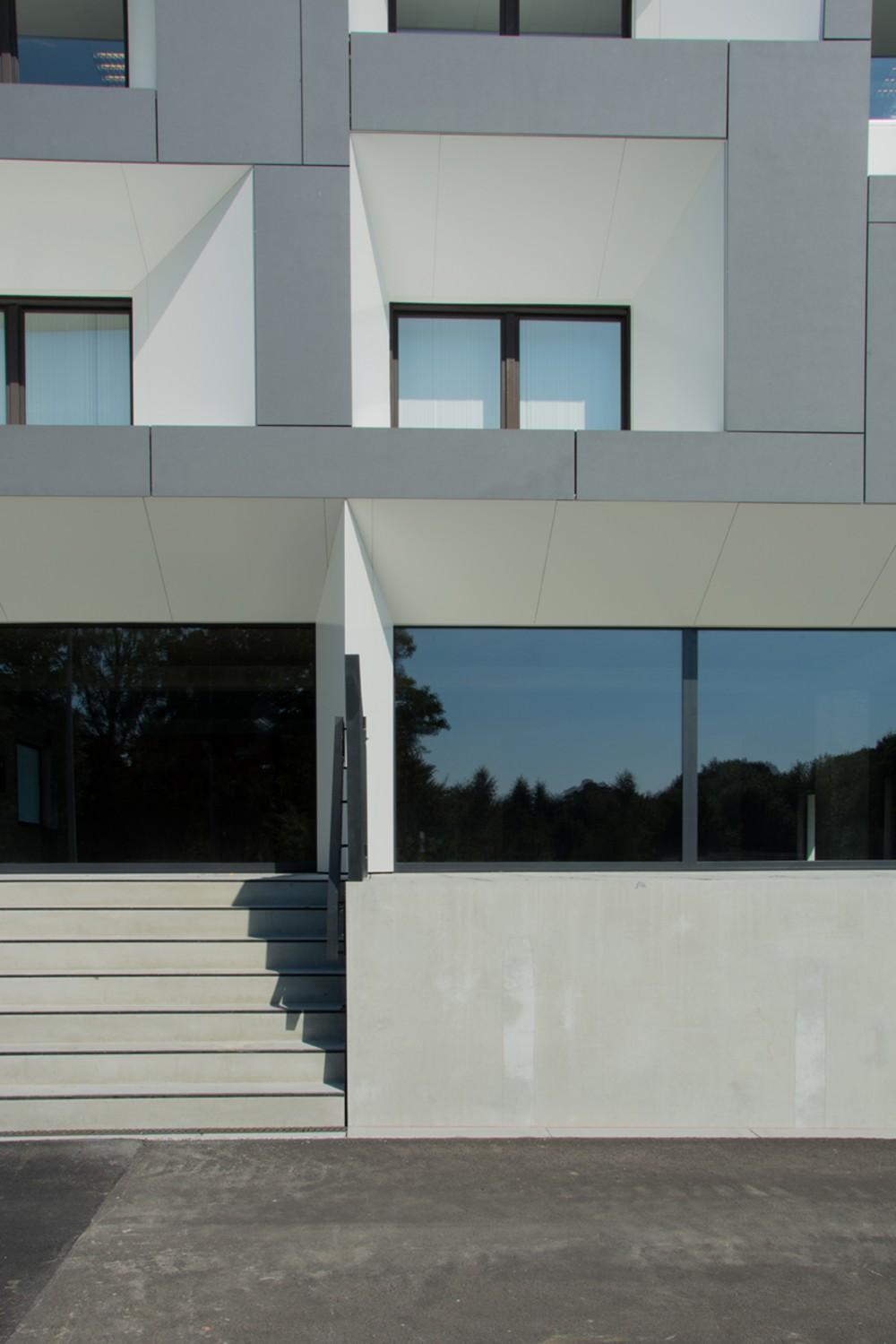 Abscis Architecten - Sokkel in zichtbeton - fotografie Inge Claessens