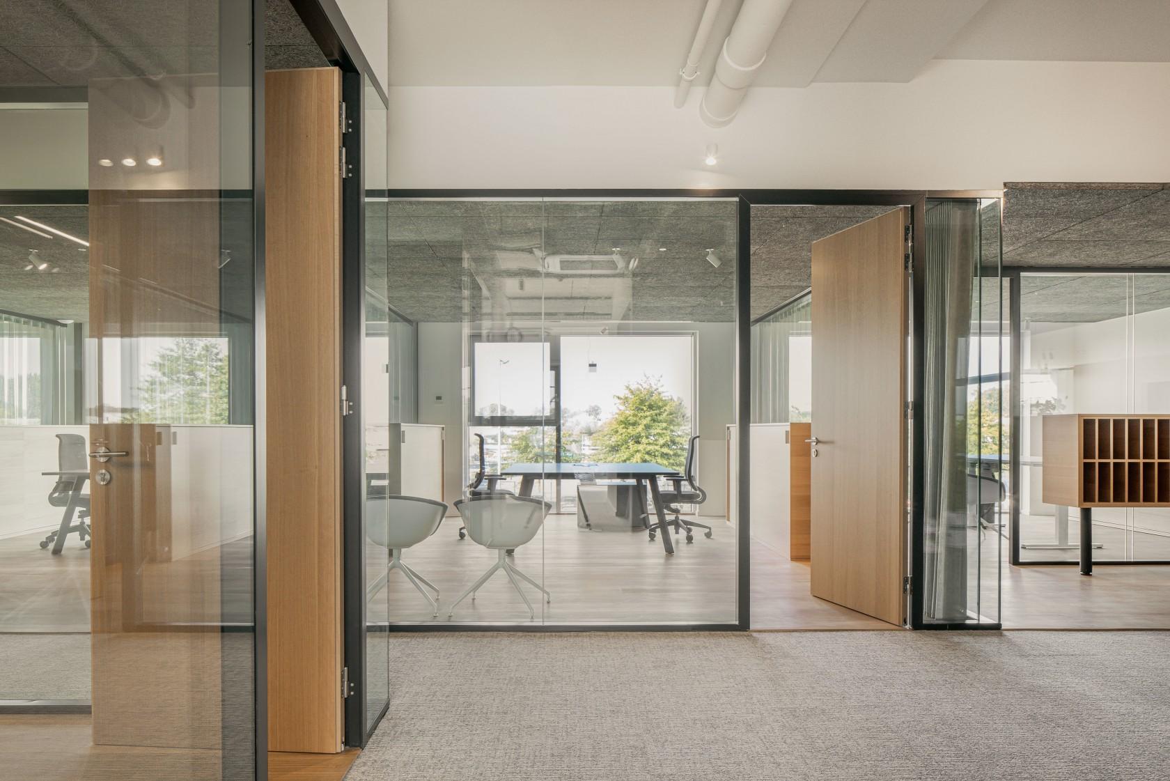 Abscis Architecten - glazen wanden zorgen voor transparantie - foto Jeroen Verrecht