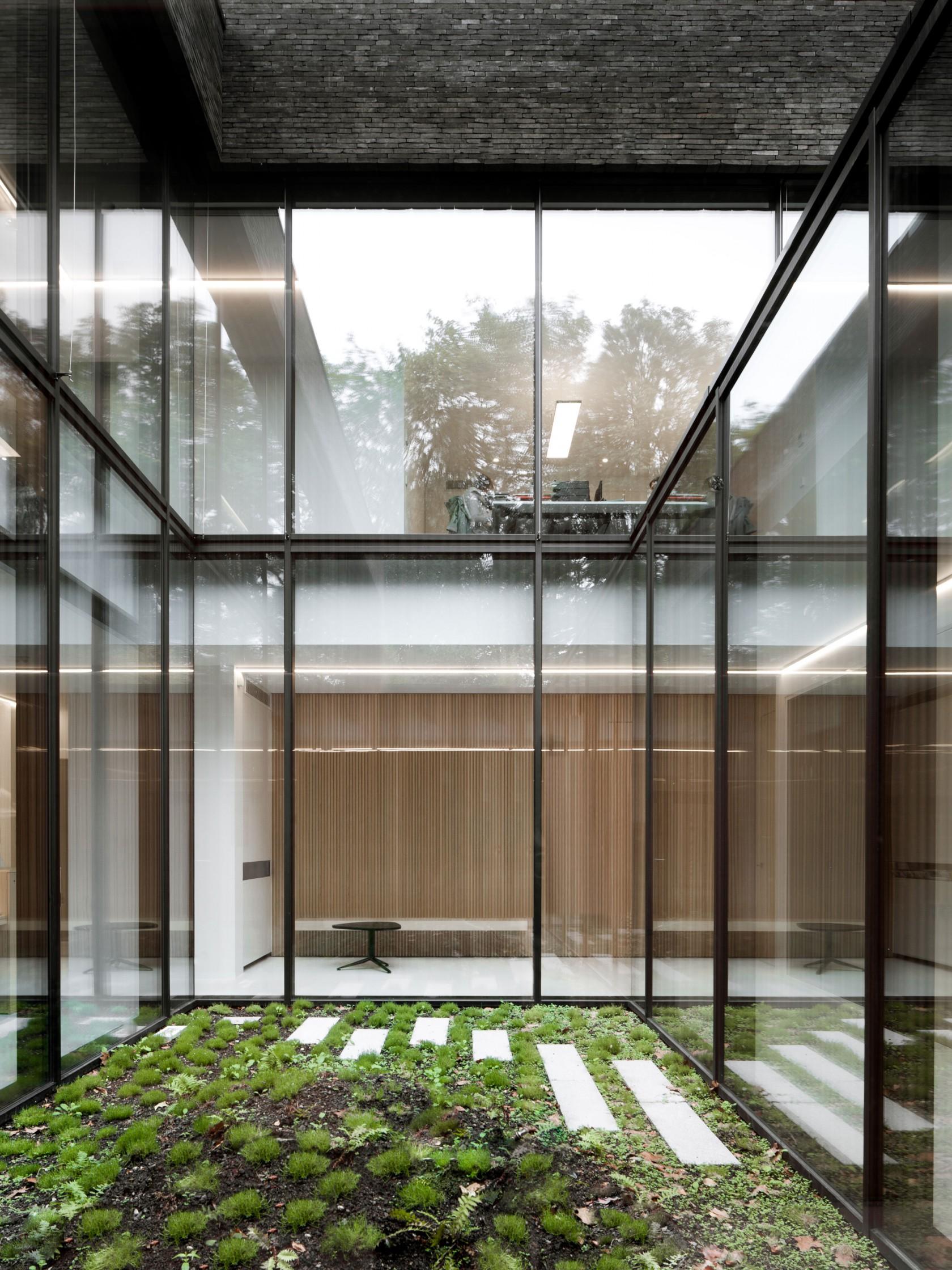 Abscis Architecten - patio als transparante scheidingswand - foto Jeroen Verrecht