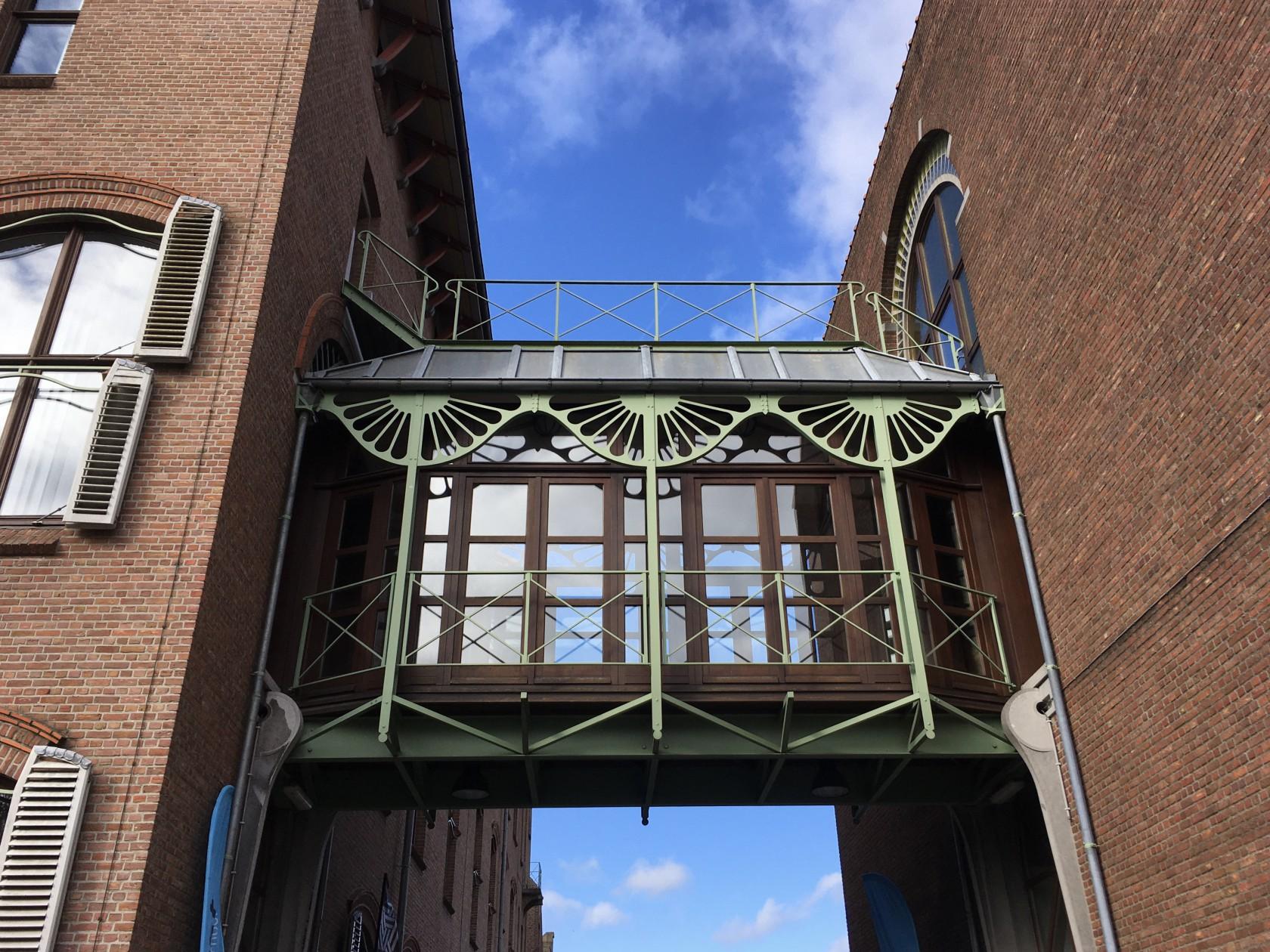 Abscis Architecten - de inkom van het huidige gebouw van Howest