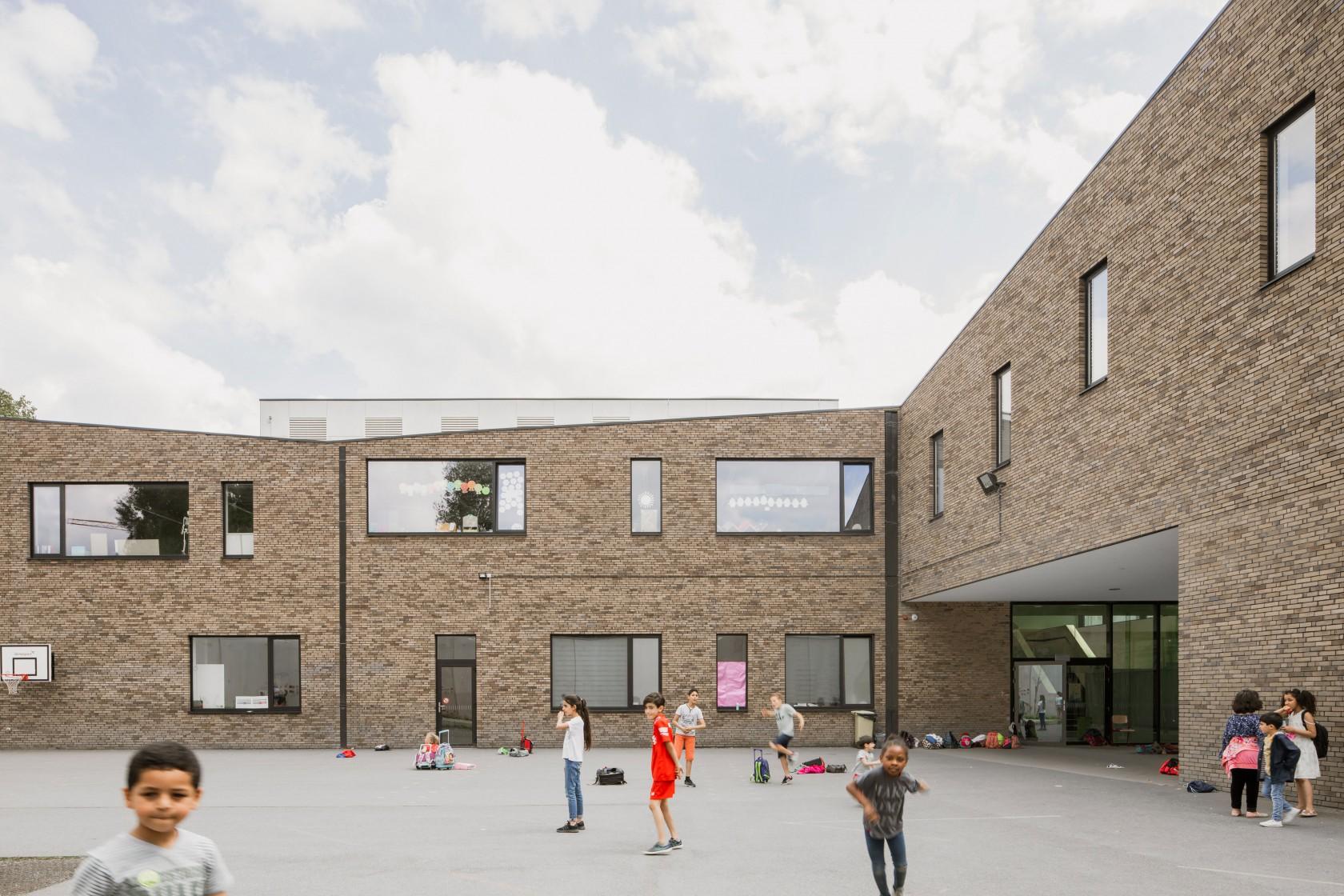 Abscis Architecten - playground primary school - photo Jeroen Verrecht