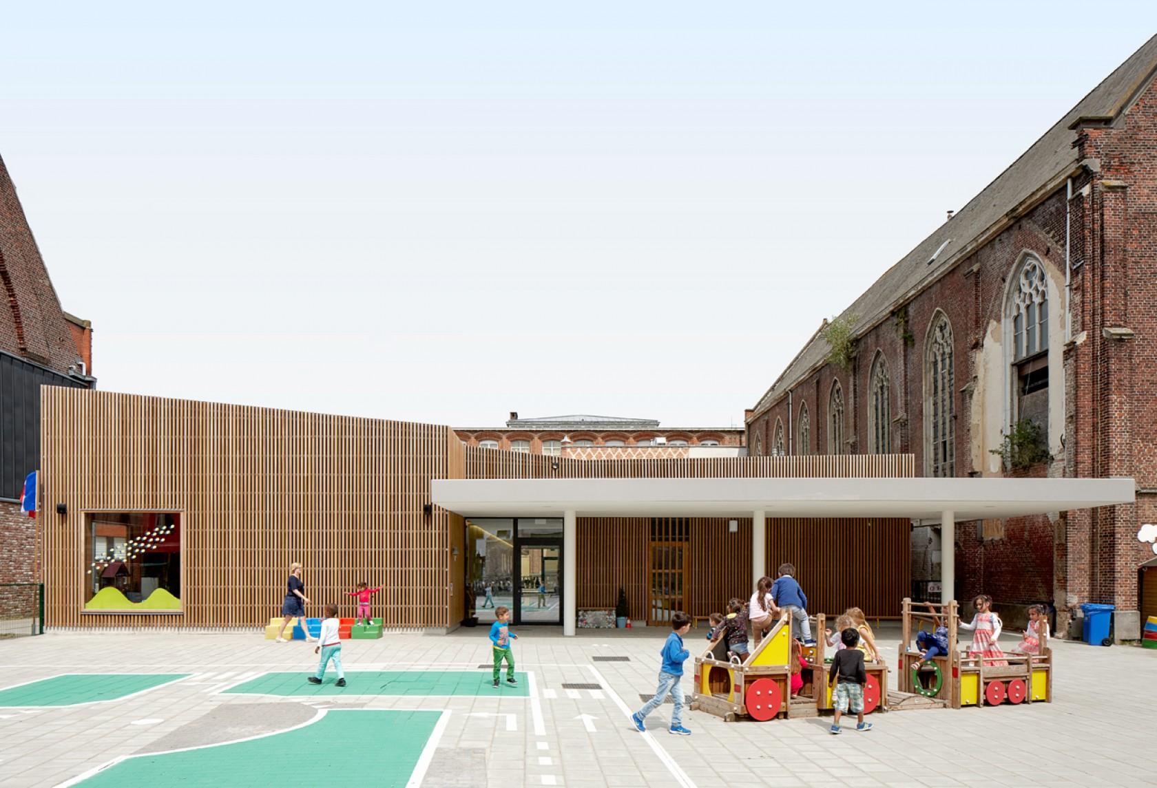 Abscis Architecten - herkenbare toegang met luifel - fotografie Dennis De Smet