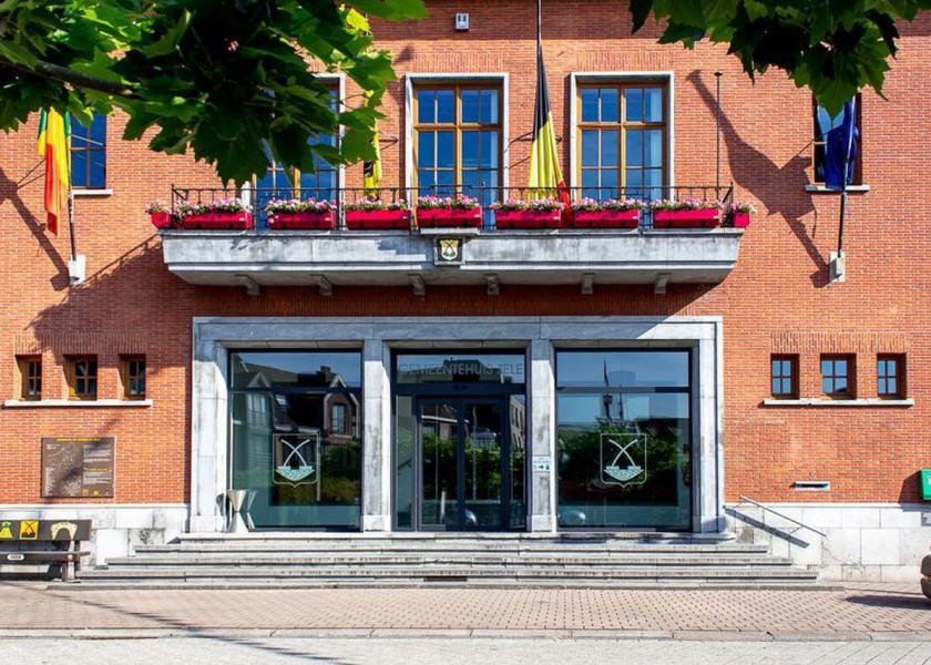 Abscis Architecten - huidige gemeentehuis Zele - foto (c) vrt